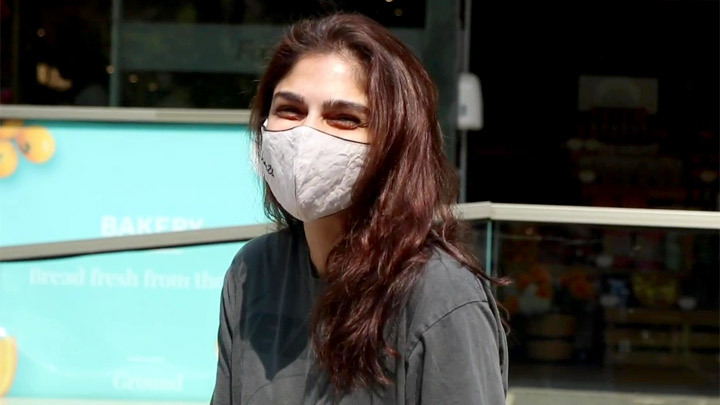 Sharmin Segal spotted at foodhall in Bandra