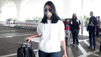 Spotted - Mrunal Thakur and Mahhi Vij at Airport