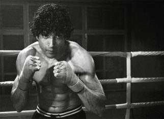 Farhan Akhtar is all set to pack a punch; shares new still from Toofan