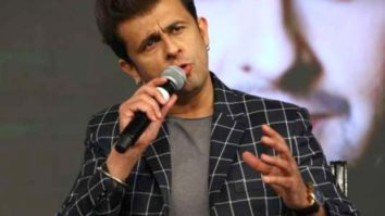 """""""I'm born a Hindu and as a Hindu, I feel the Kumbh Mela shouldn't have taken place""""- Sonu Nigam"""