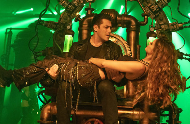Overseas Box Office Radhe - Your Most Wanted Bhai collects 580k USD [Rs. 4.24 cr.] on Day 1