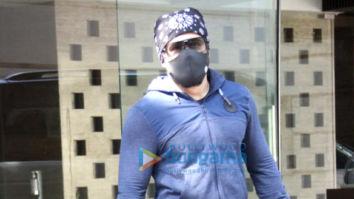 Photos: Emraan Hashmi spotted in Bandra
