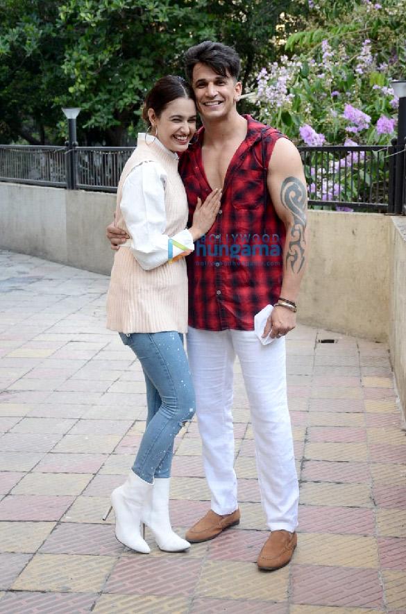 Photos Prince Narula and Yuvika Chaudhary snapped in the city (4)