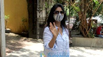 Photos: Tanishaa Mukerji spotted in Bandra