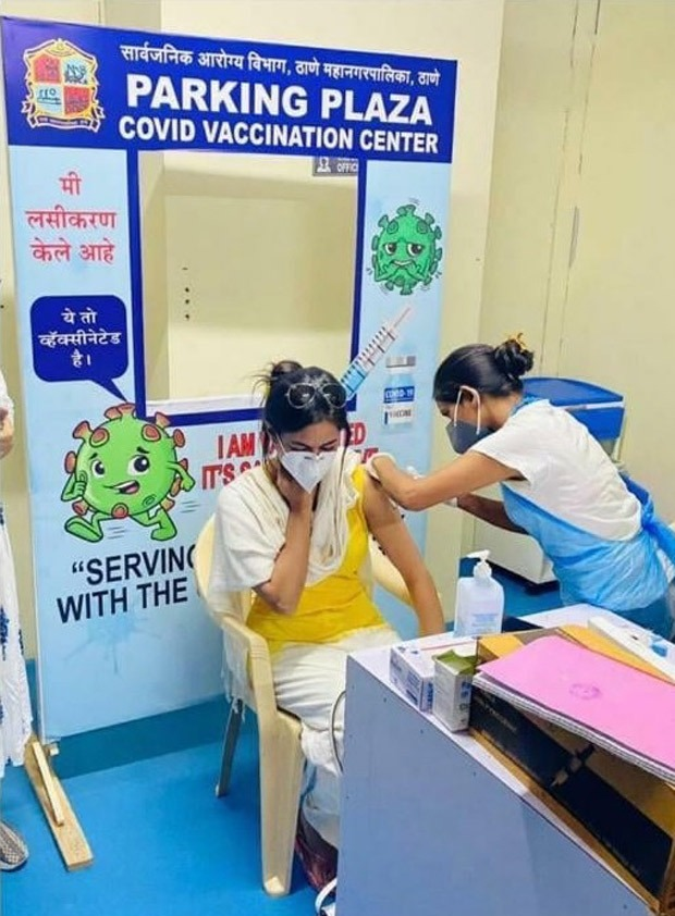 SHOCKING Section 375 actress Meera Chopra poses as a frontline worker and gets vaccinated deletes post after controversy erupts 4 Crime Today News