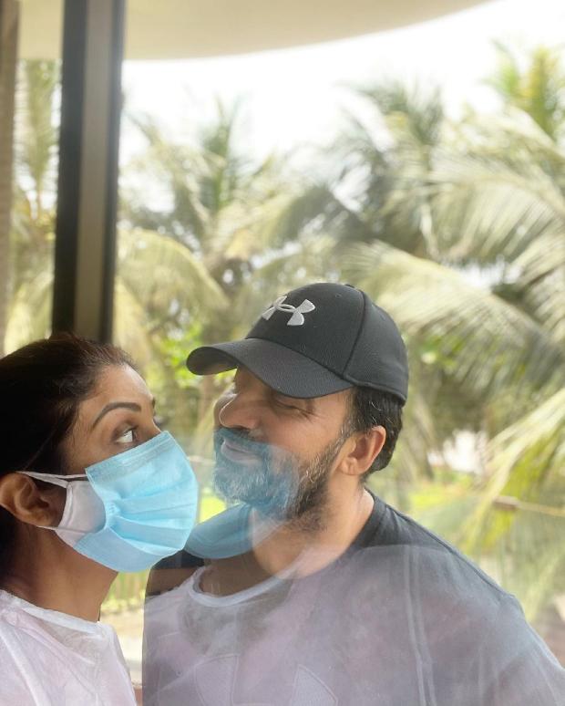 Shilpa Shetty shares a glimpse of celebrating love with Raj Kundra amid the pandemic