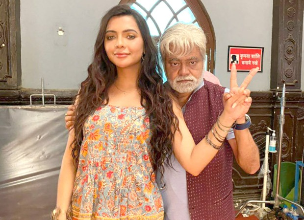 """""""He would fondly call me 'chirkut' which was absolutely hilarious,"""" says Ruhi Singh on working with Sanjay Mishra"""