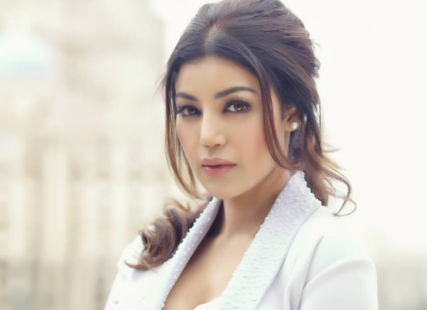 Actor-Influencer Debina Bonnerjee's unique initiative on social media aims to help everyone struggling in the fashion industry and beyond