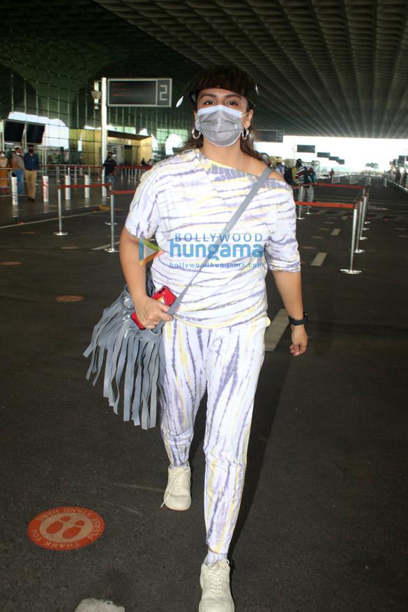 Photos: Huma Qureshi snapped at the airport