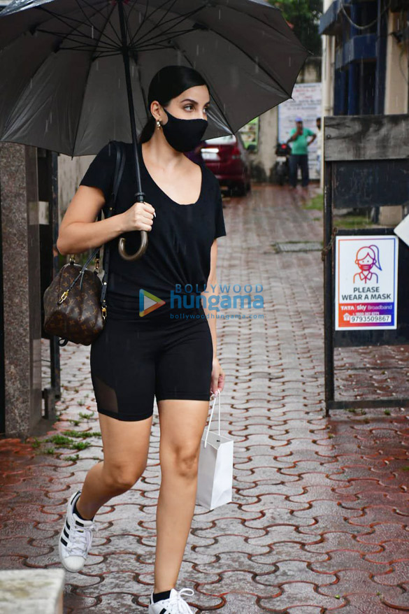 Photos Nora Fatehi spotted at a dental clinic (4)