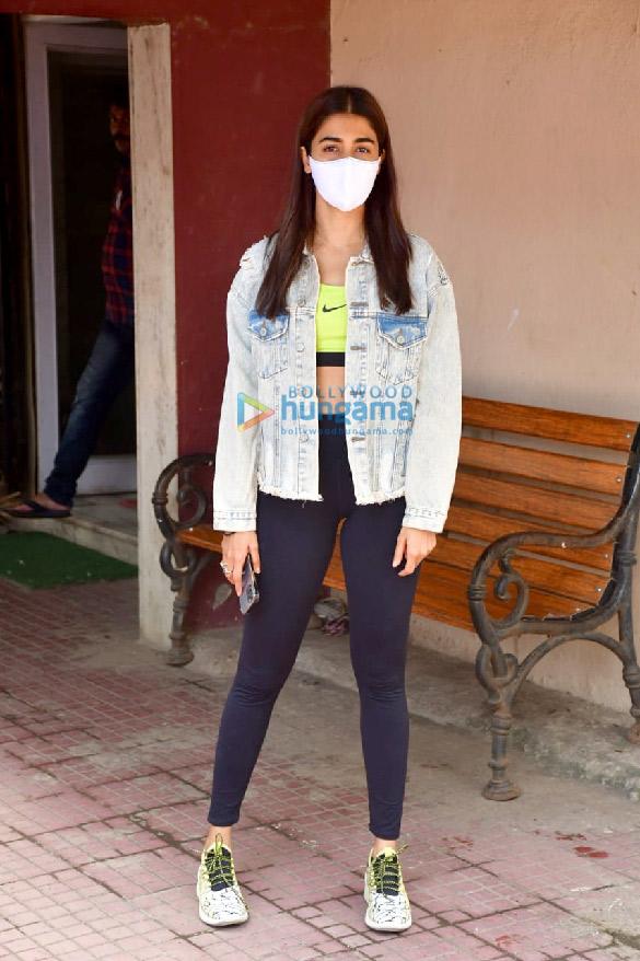 Photos Pooja Hegde spotted at a pilates studio (1)