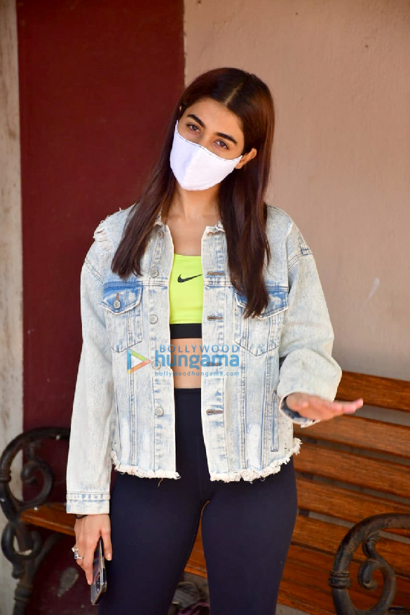 Photos Pooja Hegde spotted at a pilates studio (4)