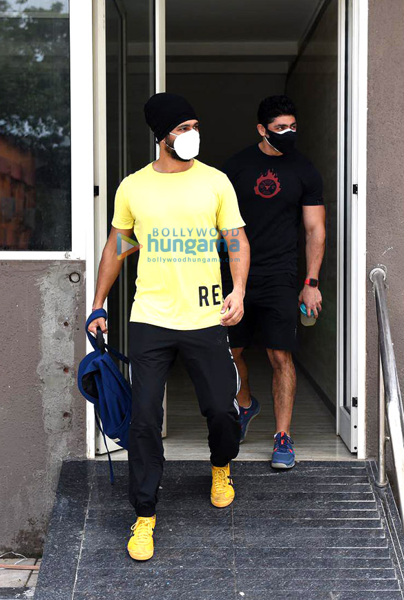Photos Vicky Kaushal and Sunny Kaushal snapped at the gym (3)