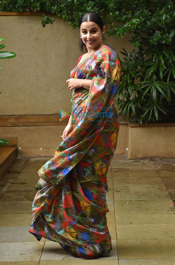 Photos Vidya Balan snapped promoting her film Sherni (7)