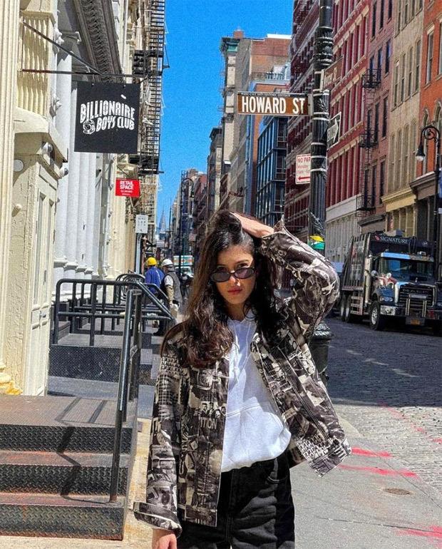 Shanaya Kapoor recalls New York moments, thanks Khushi Kapoor for capturing stunning photos