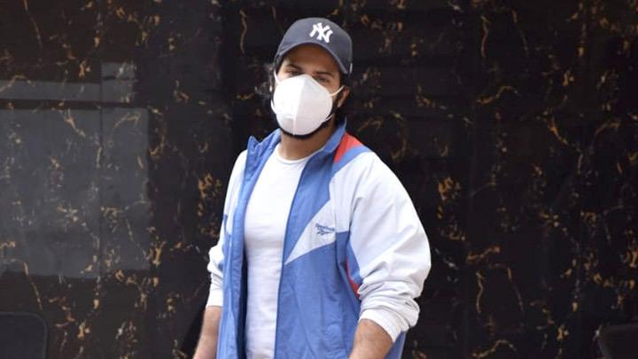 Varun Dhawan spotted outside gym in Juhu