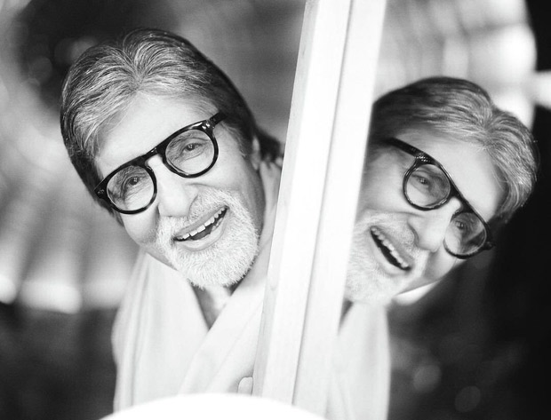 Amitabh Bachchan surprises his fans with a beautiful monochromatic post-pack-up shot captured by Avinash Gowariker