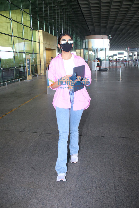 Photos Arjun Kapoor, Ameesha Patel, Rakul Preet Singh and others snapped at the airport (1)