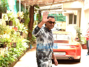 Photos: Bobby Deol snapped in Juhu