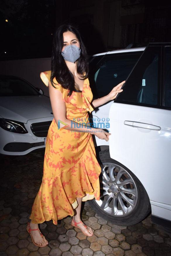 Photos Katrina Kaif snapped at Sanjay Leela Bhansali's office in Juhu (4)