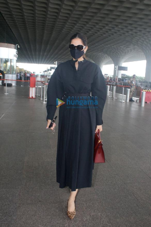 Photos Ranveer Singh, Rakul Preet Singh, Sonam Kapoor Ahuja and others snapped at the airport (1)