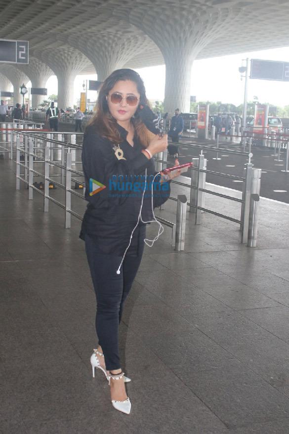 Photos Ranveer Singh, Rakul Preet Singh, Sonam Kapoor Ahuja and others snapped at the airport (4)