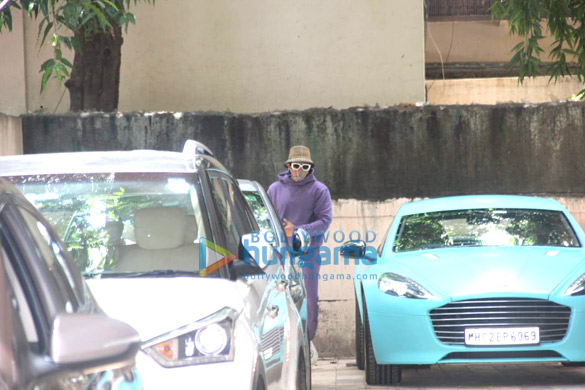 Photos: Ranveer Singh spotted at a dance class in Bandra