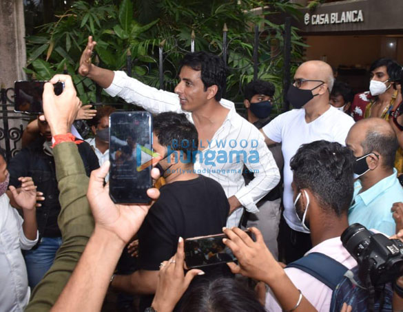 Photos Sonu Sood snapped celebrating his birthday with the media (1)