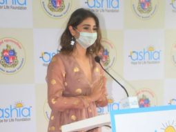 Dhvani Bhanushali along wih other dignitaries inaugurates a free-of-cast 140-bed Covid care Isolation centre in Mumbai