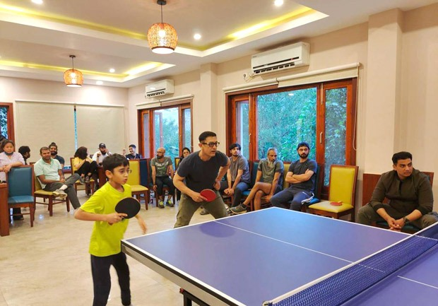 Aamir Khan and Naga Chaitania are enjoying a table tennis tournament with  the unit of Lahr Singh Chadda. Please have a look at the photos. :  Bollywood News – Jioforme