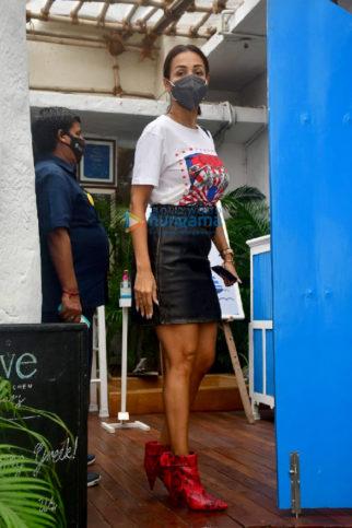 Photos: Malaika Arora, Amrita Arora and Arbaaz Khan snapped at Olive