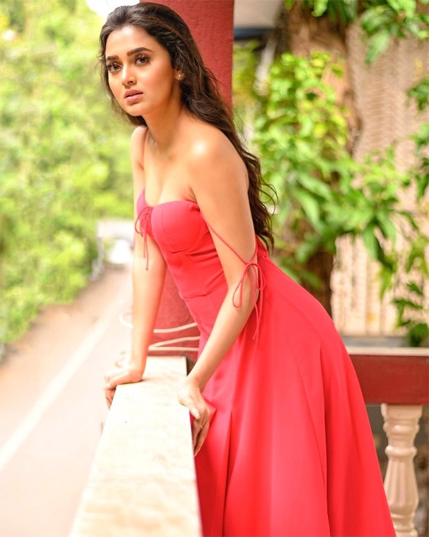 Tejasswi Prakash's perfect & edgy summer outfits you will be copying shamelessly