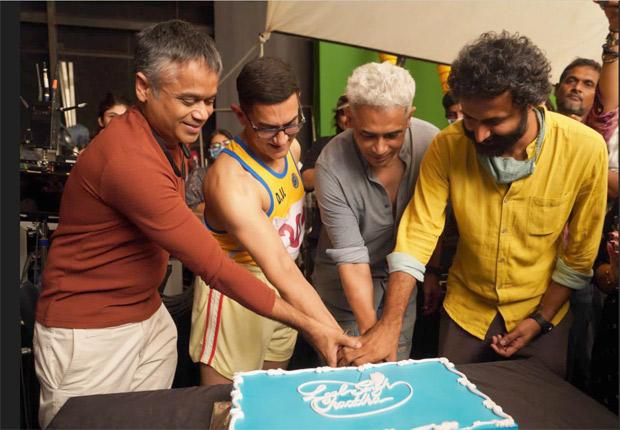 Atul Kulkarni shares post wrap photo with Aamir Khan from the sets of Laal Singh Chaddha
