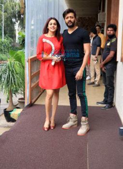 Photos: Riteish Deshmukh and Genelia Deshmukh snapped at Bastian, Worli
