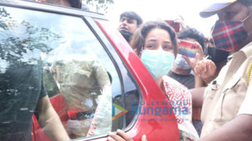 Photos: Shehnaaz Gill and others at Sidharth Shukla's last rites