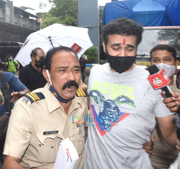 Raj Kundra released from jail after receiving bail in porn racket case; Shilpa Shetty pens a note