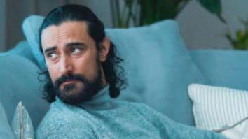 Kunal Kapoor turns poet on Koffee With Karan, gives out some hilarious rhymes