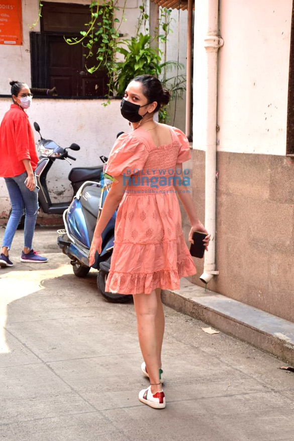 Photos: Ankita Lokhande snapped in Juhu with her mother